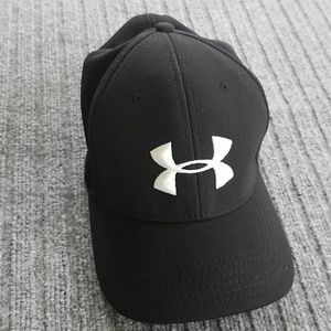 Under Armour men hat cap sz L XL black